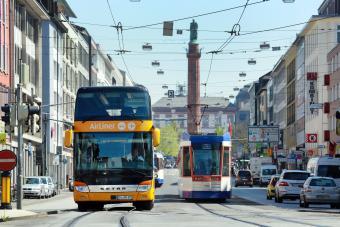 Busse und Bahnen im Darmstädter Nahverkehr